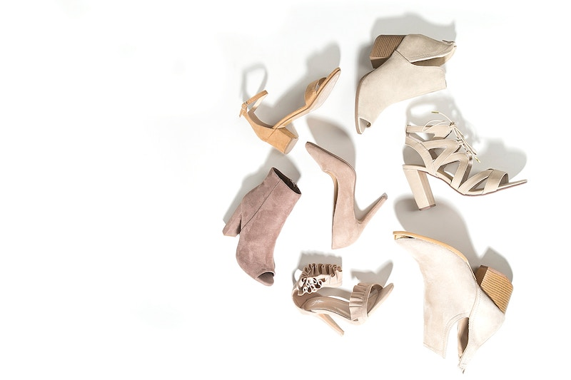 blind-shoe-grab