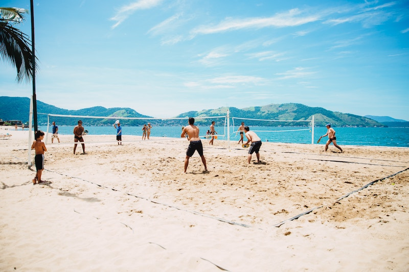 poor-mans-beachball-volleyball