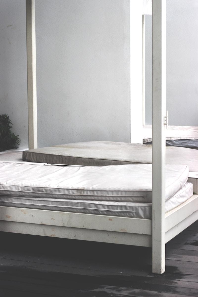air-mattress-pile-up