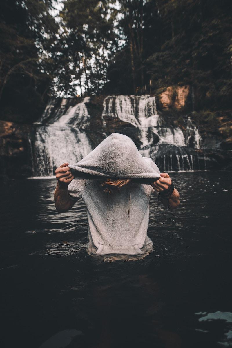 wet-sweatshirt-relay