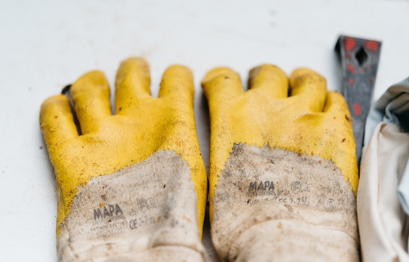 glove-sock-race