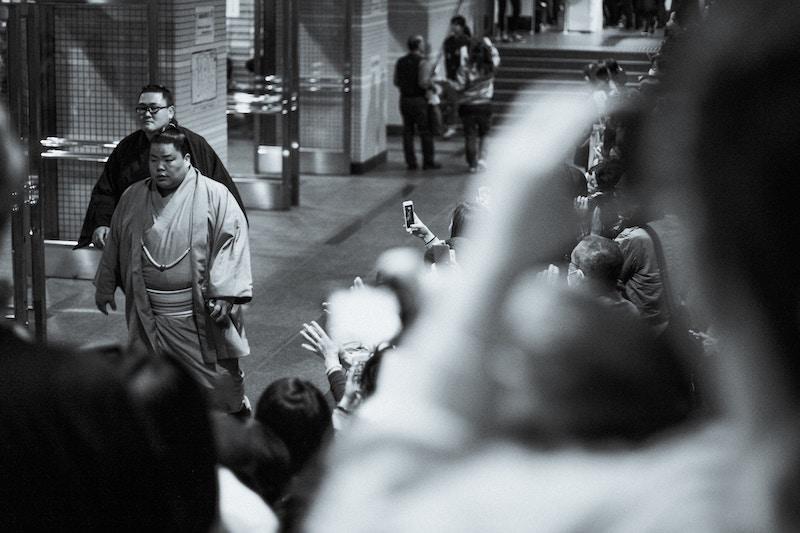 sumo-wrestlers-skit